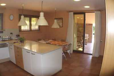 Exclusive villa with an elevator on Garraf Coast
